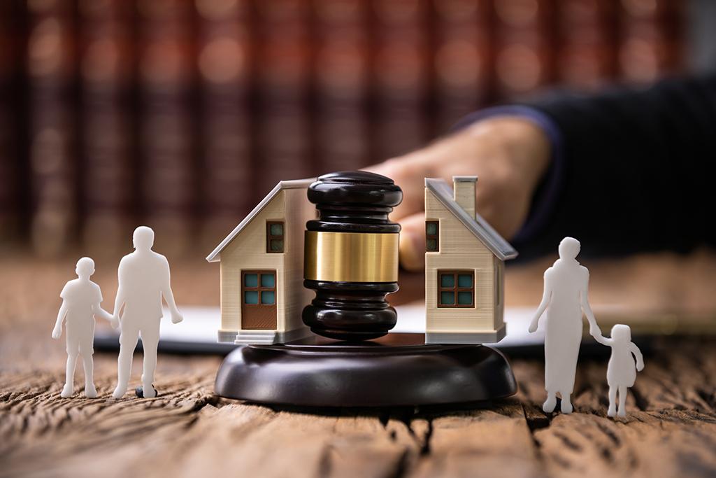 divorce litigation family lawyer